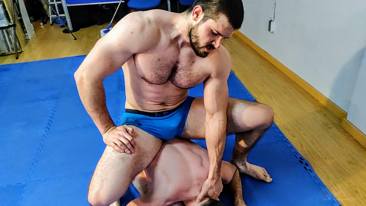 Bodybuilder Domination Gay Free Pics